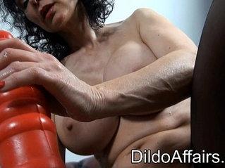 dildoing